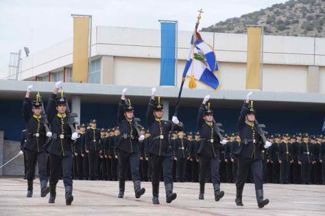 Σχολή Ευελπίδων 17 Νοεμβρίου: Τραγουδούσαν τον ύμνο της χούντας ! ! !