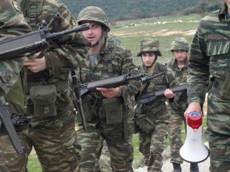 Το 80% των στρατιωτικών δηλώνει ότι `δεν πιστεύει ότι η ηγεσία των ΕΔ θα λύσει προβλήματα`