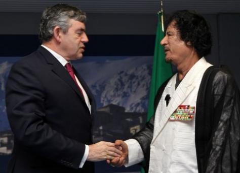 Απίστευτο!Βρετανία-ΗΠΑ εξόπλιζαν τον Καντάφι μέχρι και λίγες ημέρες πριν τον βομβαρδίσουν!