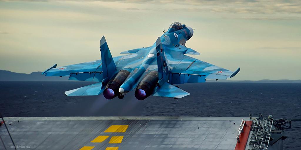ΦΟΒΕΡΟ ΒΙΝΤΕΟ: Αερομαχία ρωσικού Su-33 εναντίον κινεζικού J-15...