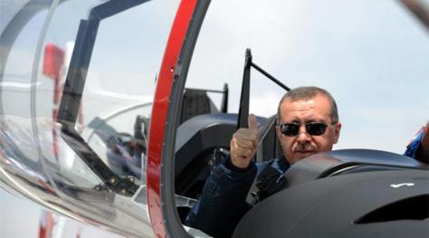 Τα `μαύρα σύννεφα` άρχισαν να φαίνονται στη τουρκική οικονομία