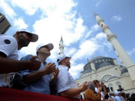 Ο Ερντογάν χτίζει τζαμί στα πρότυπα Οθωμανών Σουλτάνων!