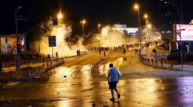 Γελοιότητες Τούρκων: Σαν υποκινητή συνέλαβαν Έλληνα στα επεισόδια της Κωνσταντινούπολης !!!