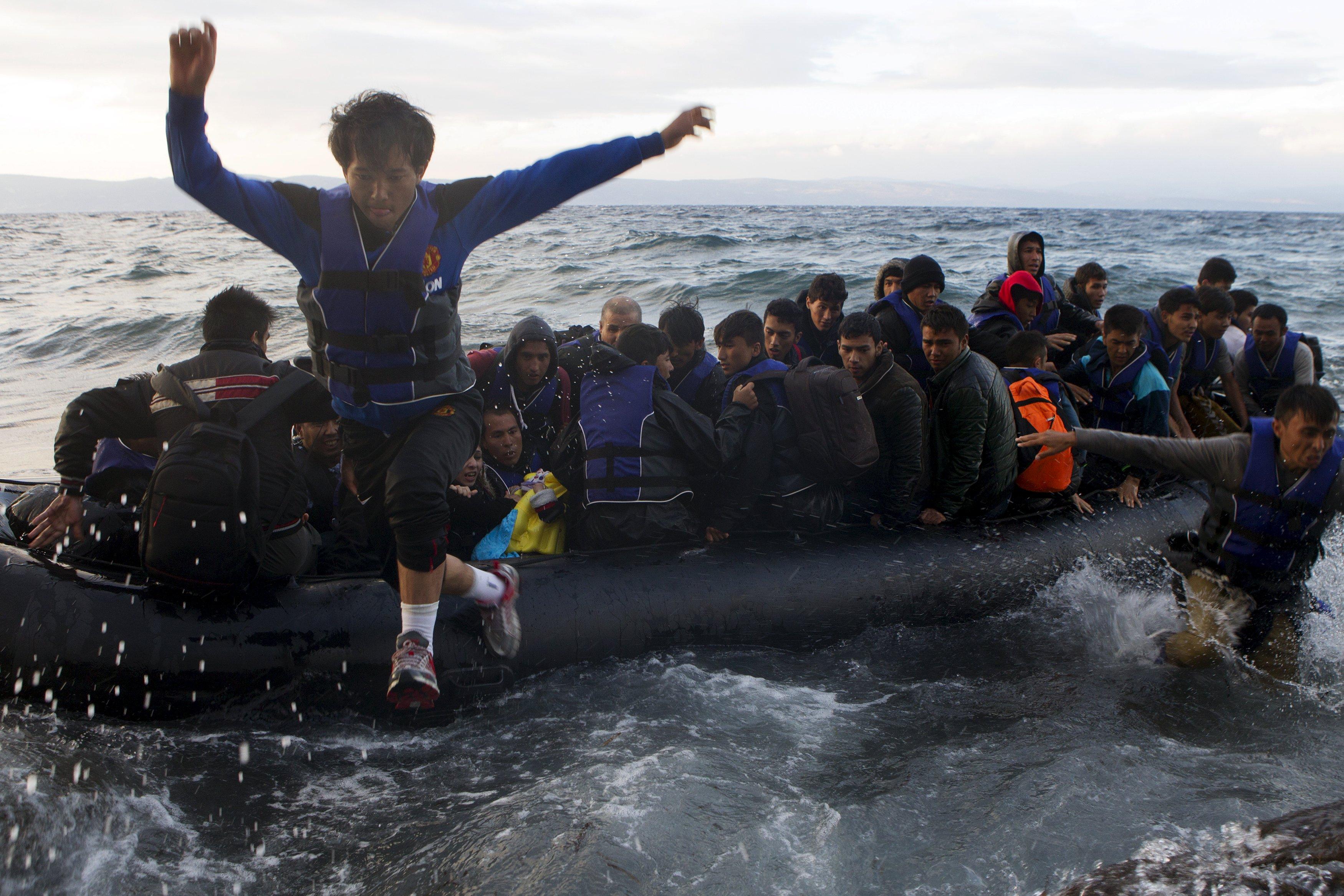 Αποτέλεσμα εικόνας για μεταναστων φωτο