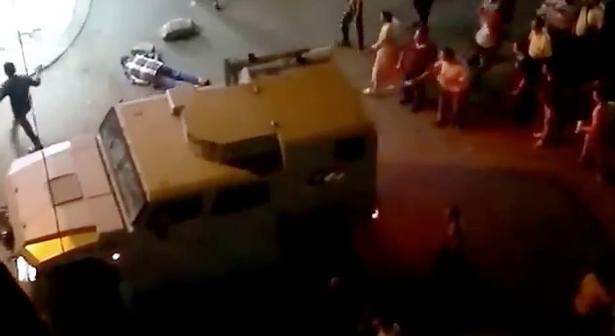 Στρατιώτης πυροβολεί εν ψυχρώ διαδηλωτή - ΒΙΝΤΕΟ