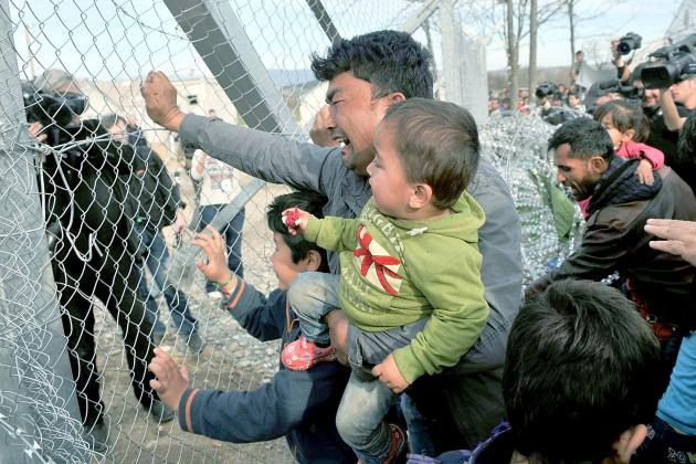 http://www.onalert.gr/files/Image/aphotos/Prosfyges/cache/refugees%20fyrom-630x420.jpg