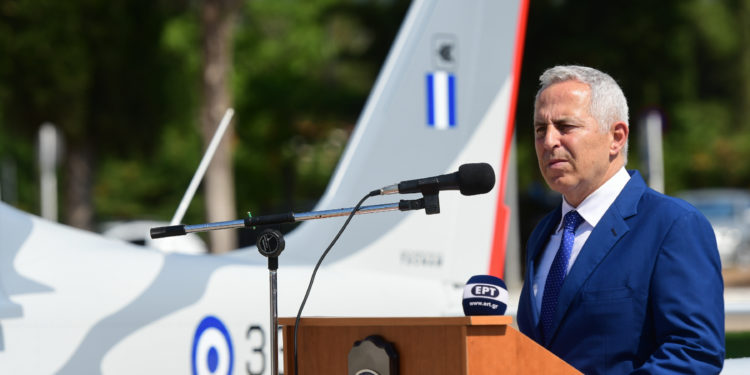 Αποστολάκης