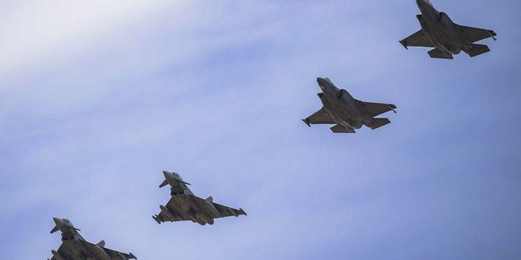 F-35A: Σε κοινή άσκηση με την Ελλάδα συμμετέχουν τα «καμάρια» των ΗΠΑ [vid]