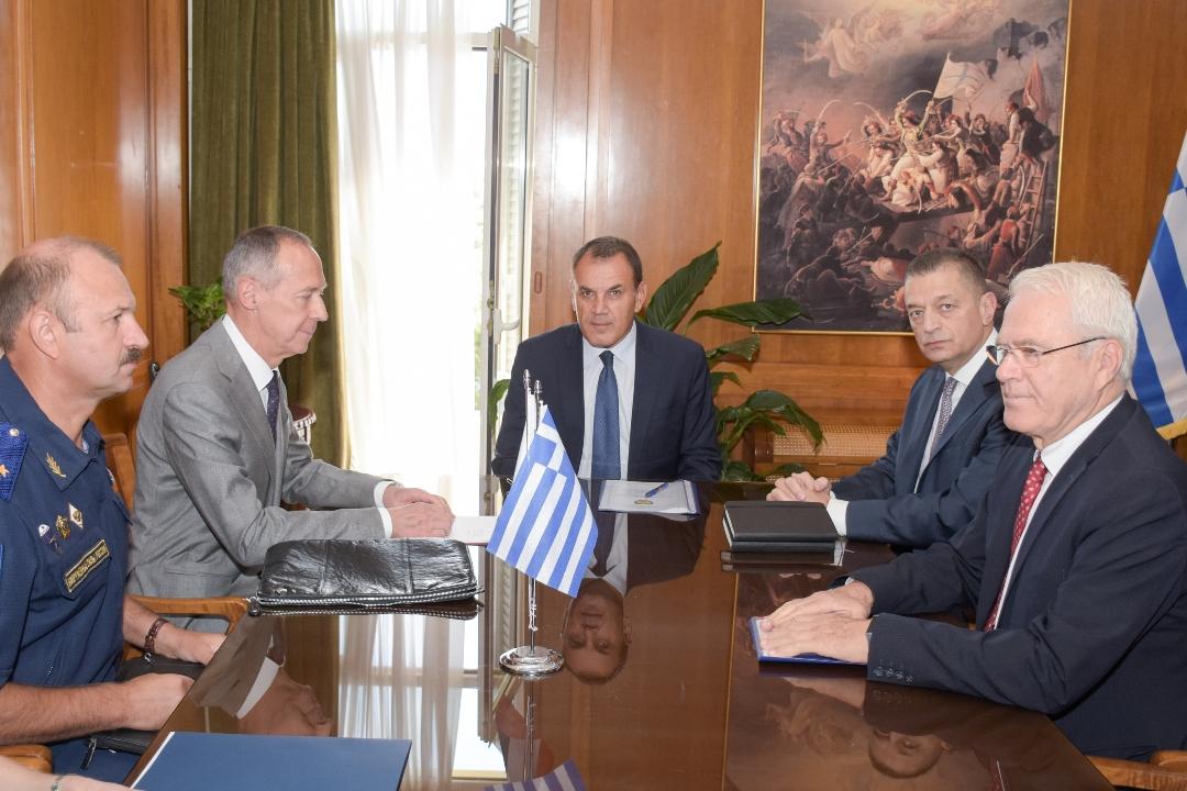 ΥΕΘΑ: Σημαντικό τετ-α-τετ Παναγιωτόπουλου με τον Ρώσο πρέσβη [pics]