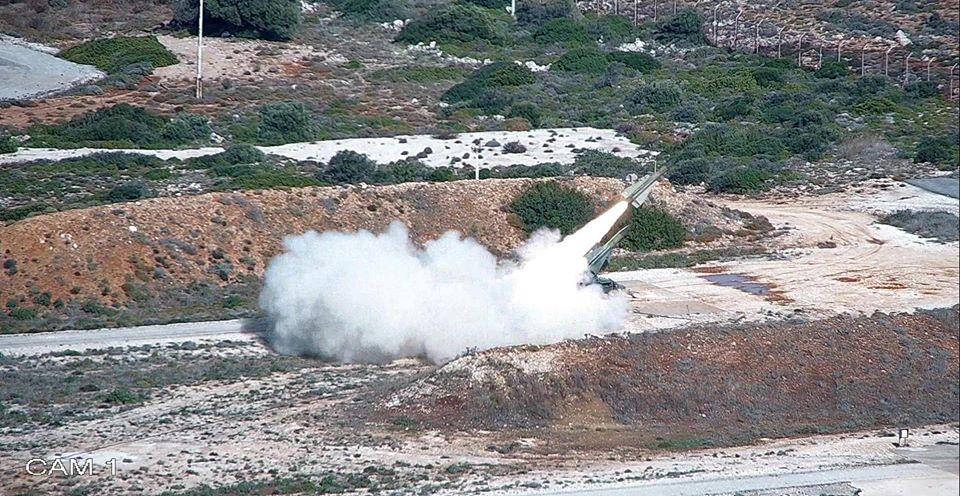 ΓΕΣ: «Έσκισαν τους αιθέρες» οι βολές Αντιαεροπορικού Πυροβολικού... (ΕΙΚΟΝΕΣ)