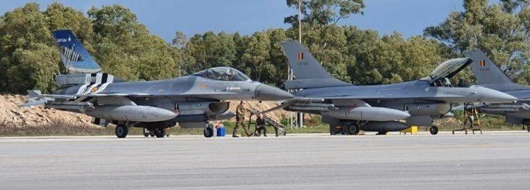 Ελληνική και βελγική Πολεμική Αεροπορία ετοιμάζουν τα F-16 τους για μεγάλη άσκηση [pics]