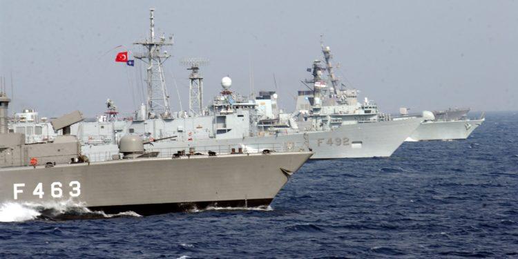 Τουρκικά πολεμικά πλοία στην καρδιά του Αιγαίου! Νέα προκλητική NAVTEX [pics]