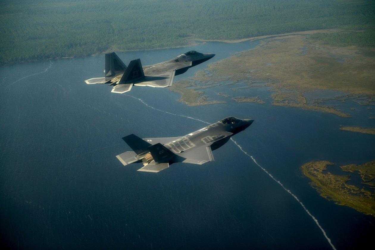S-500: Θα «τελειώσουν» οι προηγμένοι ρωσικοί πύραυλοι τα stealth F-35 και F-22 ;