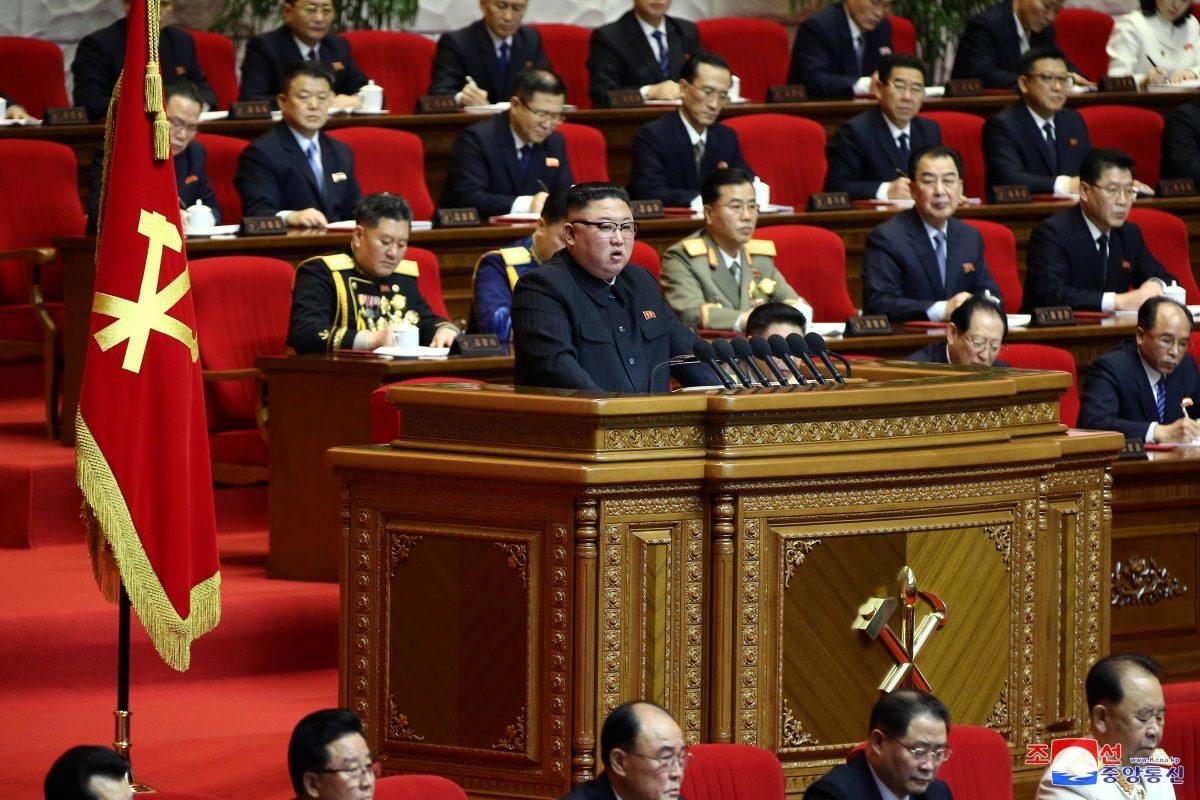 Κιμ Γιονγκ Ουν: Διέταξε ενίσχυση των στρατιωτικών δυνατοτήτων της Βόρεια Κορέας [pics]