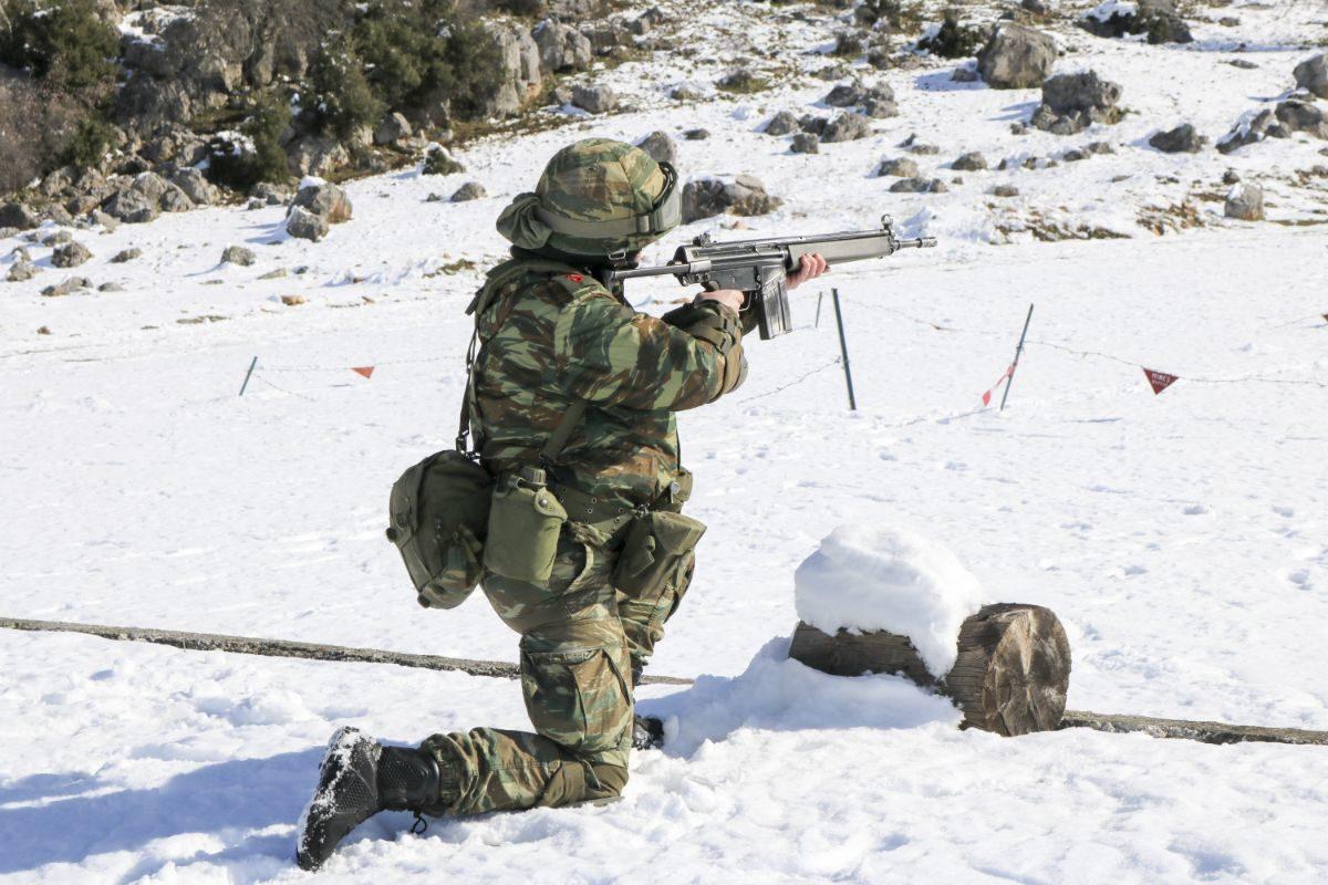 Εντυπωσιακές εικόνες από την χειμερινή εκπαίδευση ΣΣΕ και ΣΜΥ [pics, vid]