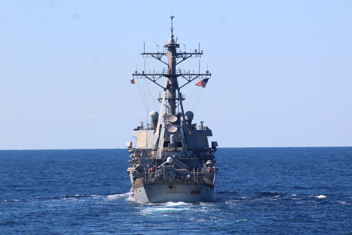 Συνεκπαίδευση μονάδων του ΠΝ και της ΠΑ με πλοίο του ΠΝ των ΗΠΑ νοτίως της Κρήτης [pics, vid]