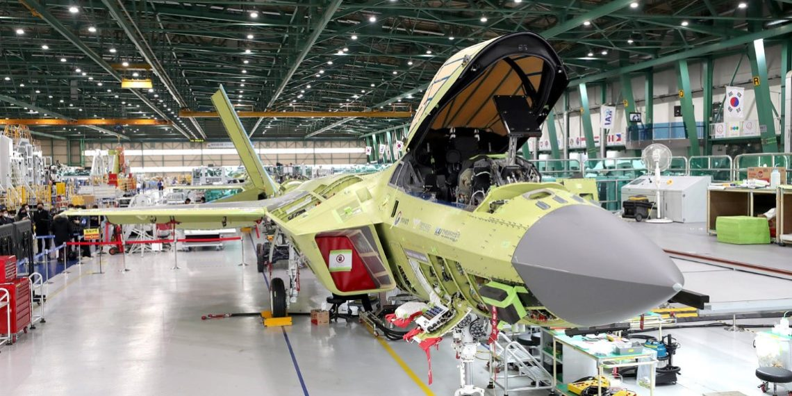 KF-X: Σε ένα μήνα αποκαλύπτεται το μαχητικό – «ανταγωνιστής» των F-35 και F-22 [pics]