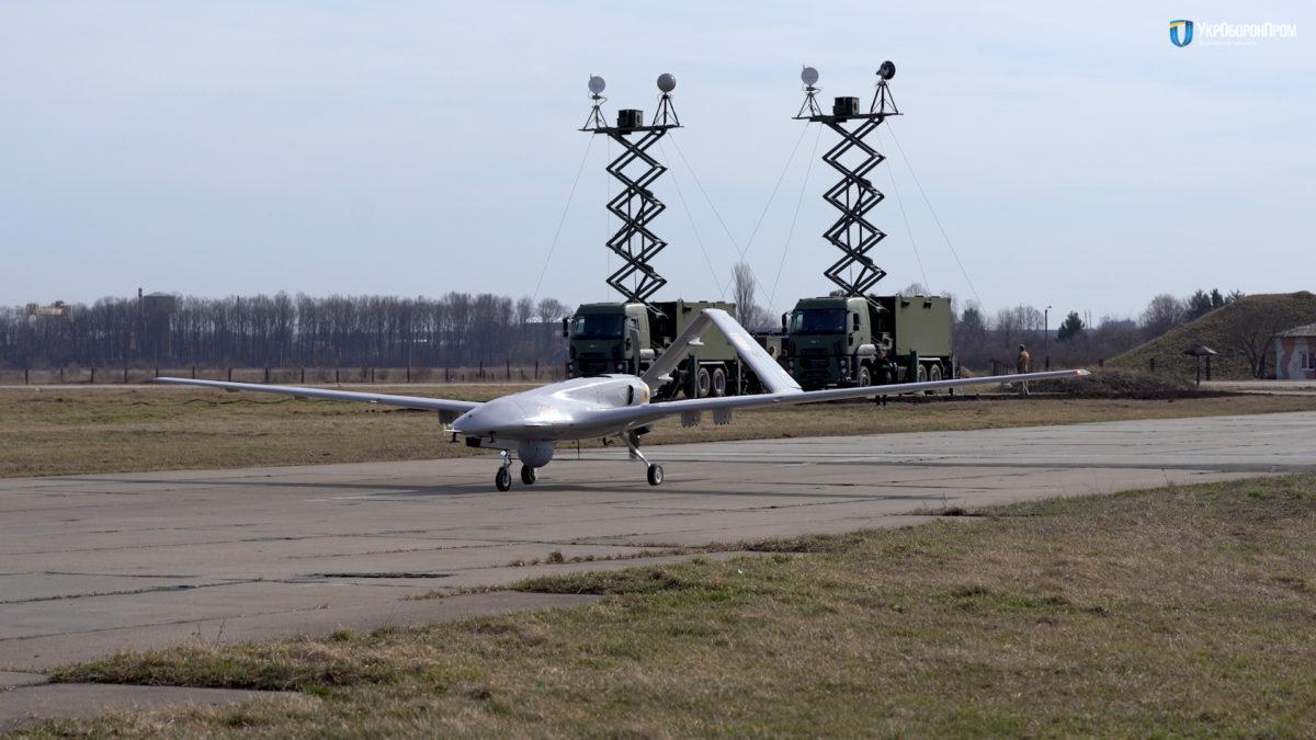 TB2   Τα τουρκικά drones της Ουκρανίας «αγχώνουν» τους Ρώσους   Τύμπανα πολέμου