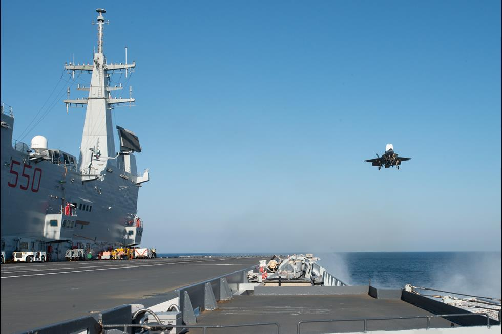 F-35B: Τα stealth μαχητικά πλέον θα επιχειρούν από το ιταλικό αεροπλανοφόρο ITS Cavour [pics]