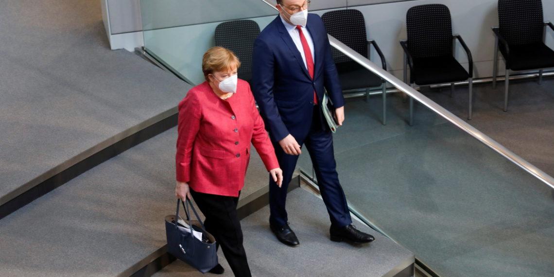 Γερμανία: «Σφαγή» για τον υποψήφιο διάδοχο της Μέρκελ