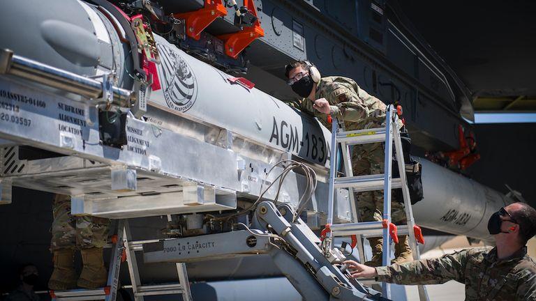 ARRW: Απέτυχε παταγωδώς η εκτόξευση του στρατηγικού υπερηχητικού πυραύλου των ΗΠΑ
