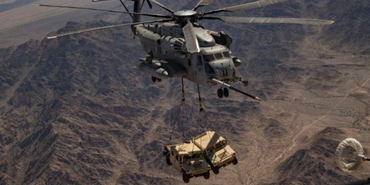 CH-53E Super Stallion: Το ελικόπτερο αποδεικνύει γιατί είναι το πιο ισχυρό στον κόσμο [vid]
