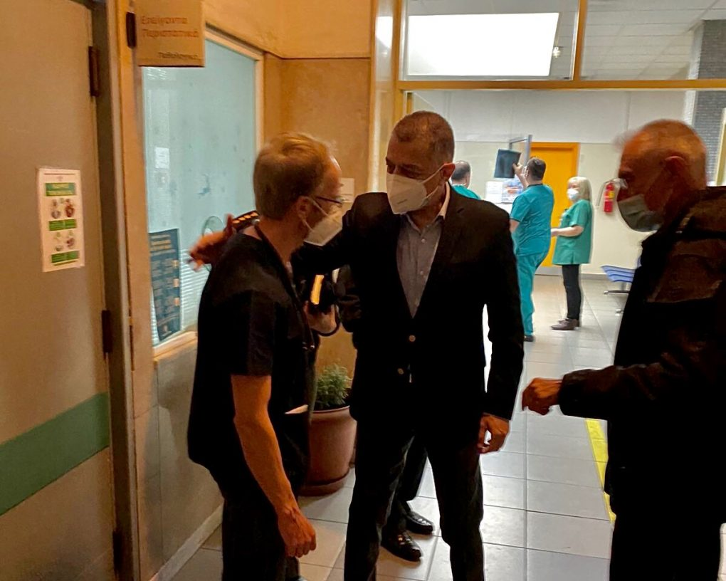 Επίσκεψη ΥΦΕΘΑ Στεφανή στα εφημερεύοντα Στρατιωτικά Νοσοκομεία [pics]