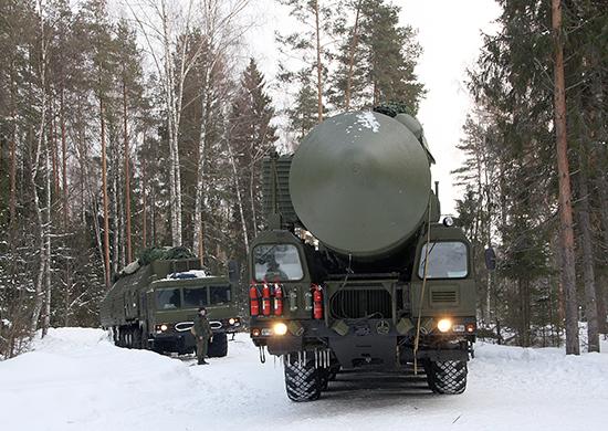 Ρωσία: Ο Πρόεδρος Πούτιν θέλει νέους βαλλιστικούς πυραύλους στο τέλος της δεκαετίας [pics]