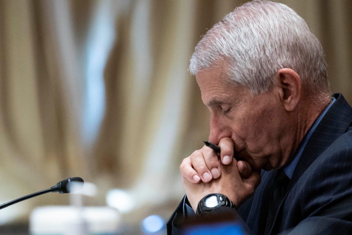 Φάουτσι: Οι ΗΠΑ χρηματοδοτούσαν εργαστήριο στη Γιουχάν για έρευνα στον κορονοϊό