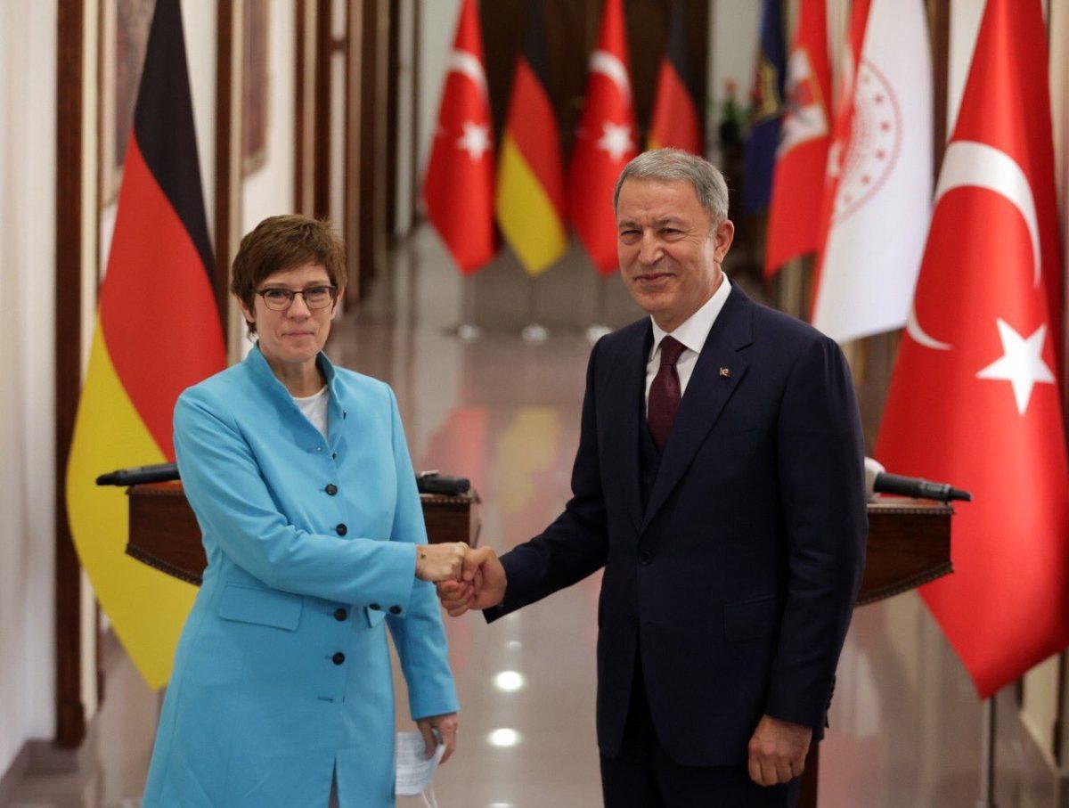 Τουρκία: Το «ανατολίτικο παζάρι» για το Αφγανιστάν και η γερμανική «εμπλοκή»