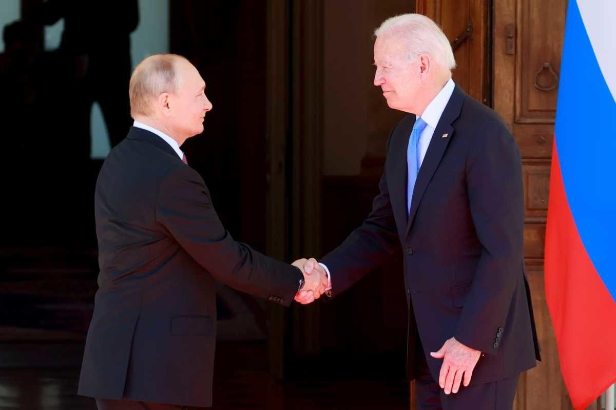 Politico: Οι ΗΠΑ «πάγωσαν» εξοπλιστικό πακέτο 100 εκ. δολαρίων στην Ουκρανία